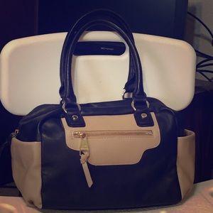 Steve Madden tan and black handbag